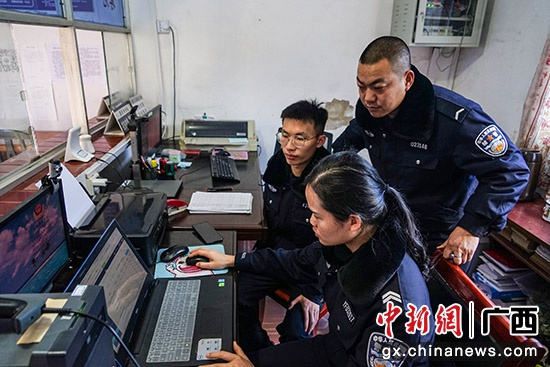 """广西永福县打造警民""""连心桥""""互动新平台提升民众安全感"""