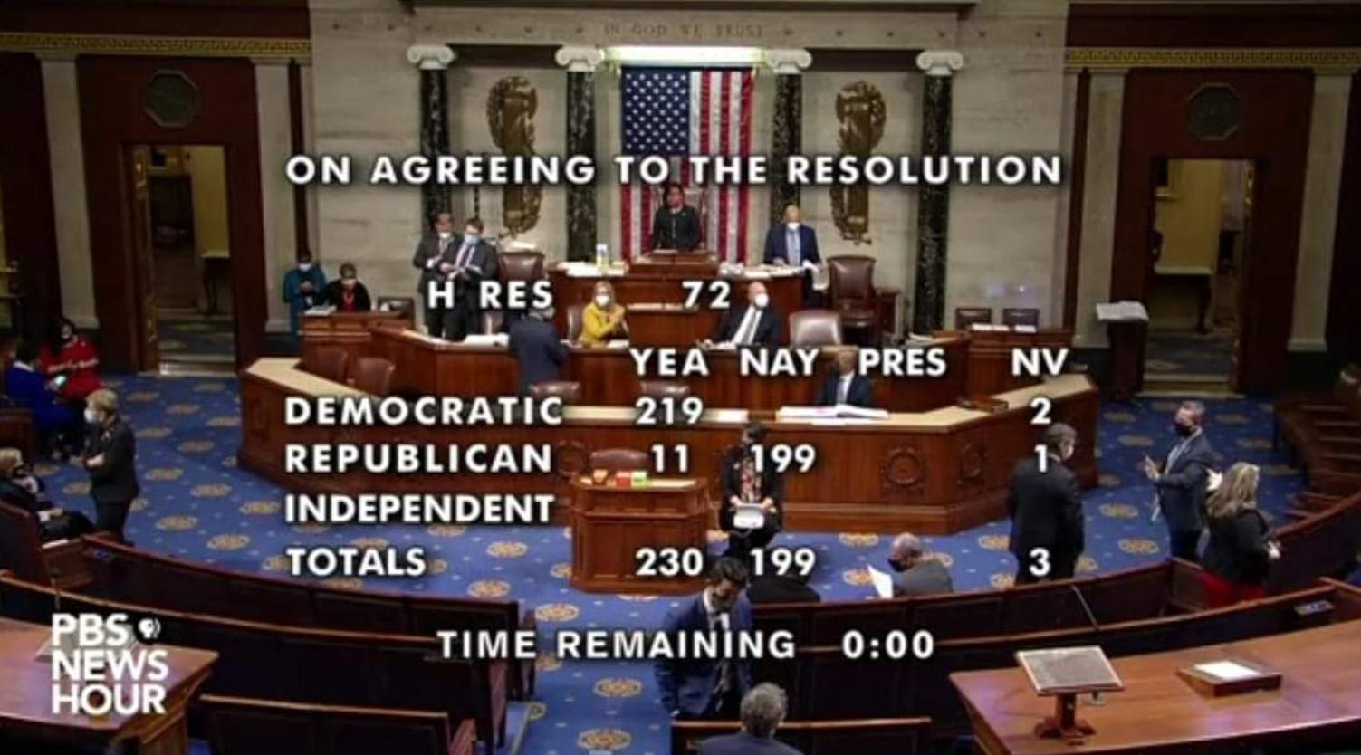 """美众议员因过往""""阴谋论""""言论被踢出两个委员会"""