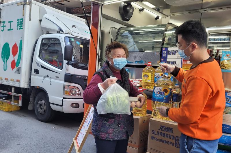 """上海中风险小区降级并解封,光明的""""年货车""""马上来了"""