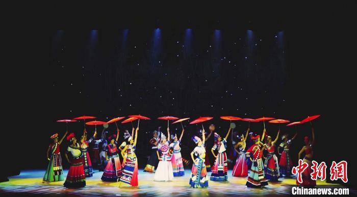 中国驻印尼登巴萨总领馆举办2021年新春晚会