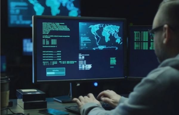 俄媒:美或对俄发动大规模网络攻击