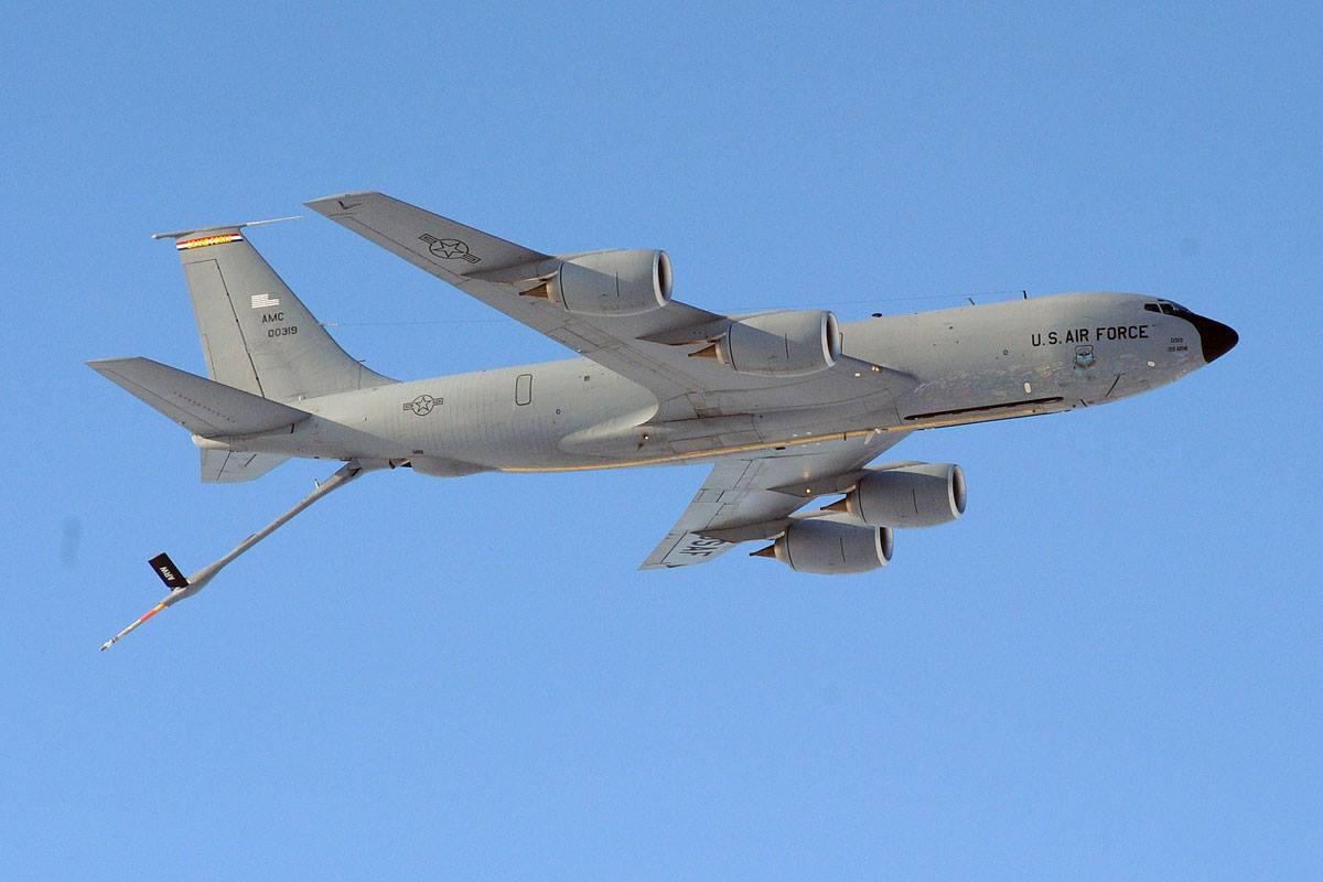 视频 美军机两面夹击 俄罗斯这两步棋能否破围?图片