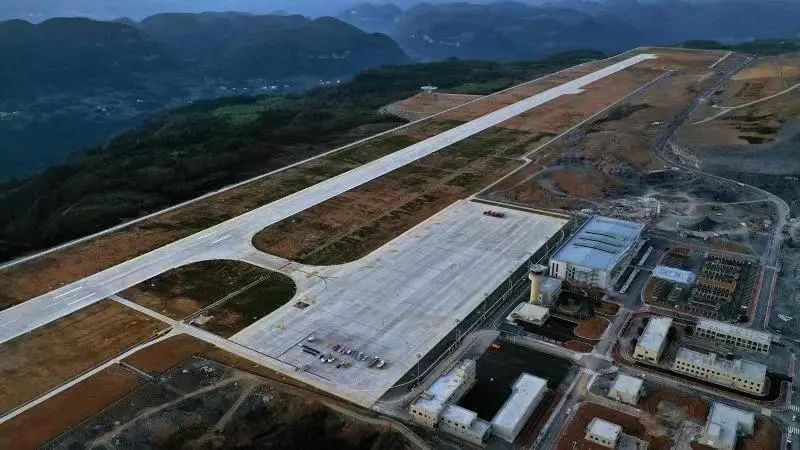 28日起,重庆仙女山机场将开通4条航线图片