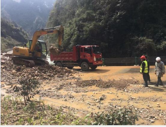 秭归县农村公路管理局:精心组织 科学抢险保畅通