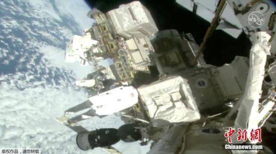 为安装太阳能电池做准备!宇航员太空行走超7小时