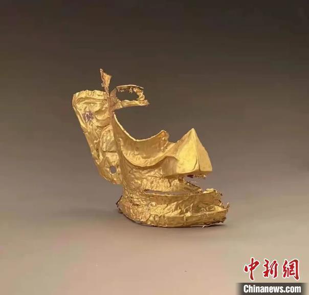 考古人员回应三星堆金面具有耳洞:古蜀人有穿耳习惯图片