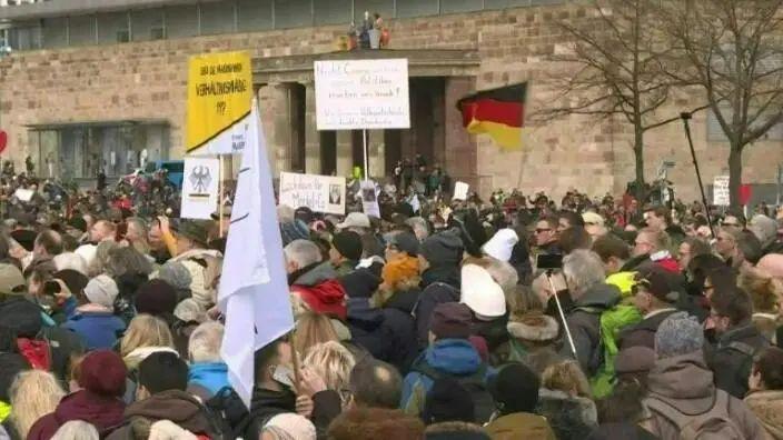 (德国抗议运动现场。图源:法新社)