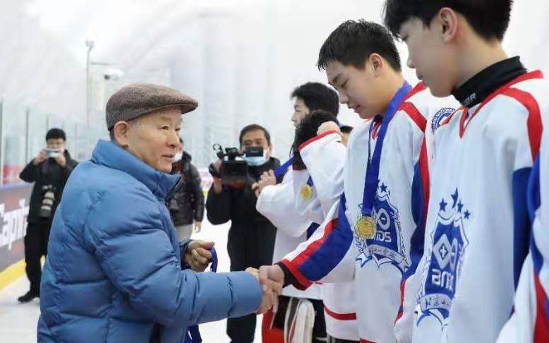 北京市高中冰球挑战赛,北京十一学校夺冠