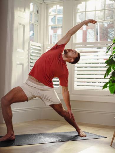 lululemon推出全新Take Form瑜伽垫