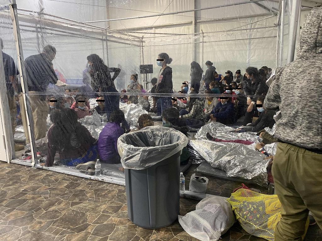 美国边境收容所中超300名儿童感染新冠 正在隔离中