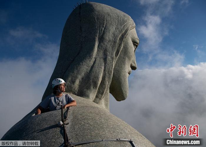 高耸入云!巴西耶稣像为迎90岁生日启动修复工作