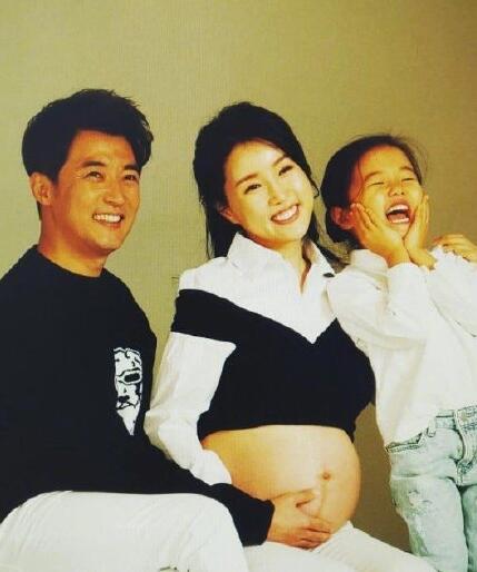 """韩媒曝安在旭崔贤珠夫妇二胎得子凑成""""好""""字"""