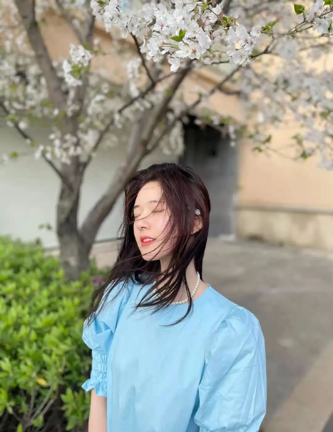 让赵露思虞书欣化身春日少女的秘密 你想拥有吗?