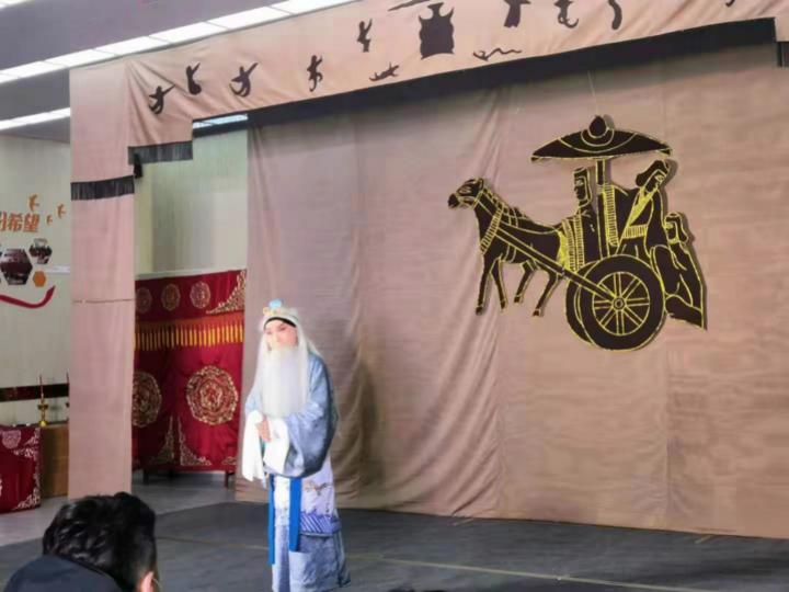 纪念京剧大师马连良先生诞辰120周年,京剧服饰艺术惊艳亮相