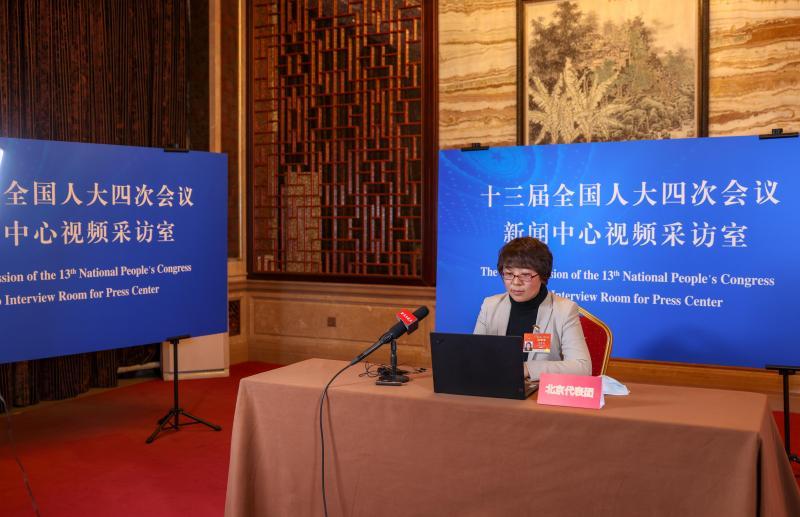 全国人大代表田春艳:建议延长产假至6个月图片