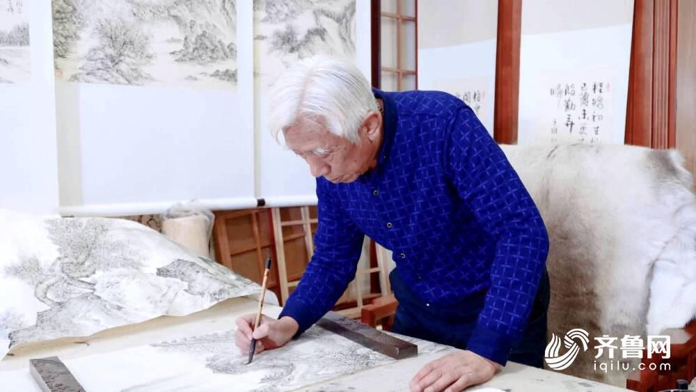 济南书画艺术家用100幅焦墨画展现近百年前的老济南