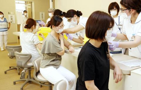 日本新冠逝者超8000人 半个月增加1000人
