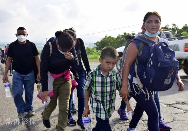 CNN:一场危机正在美国边境形成
