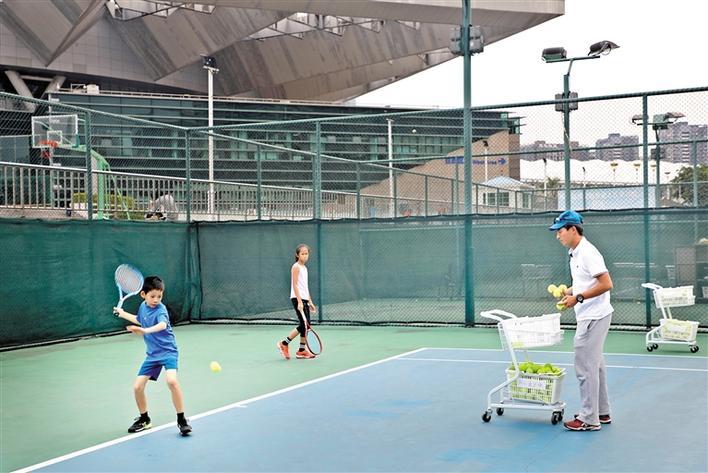 宝安网球队分时段训练力度大