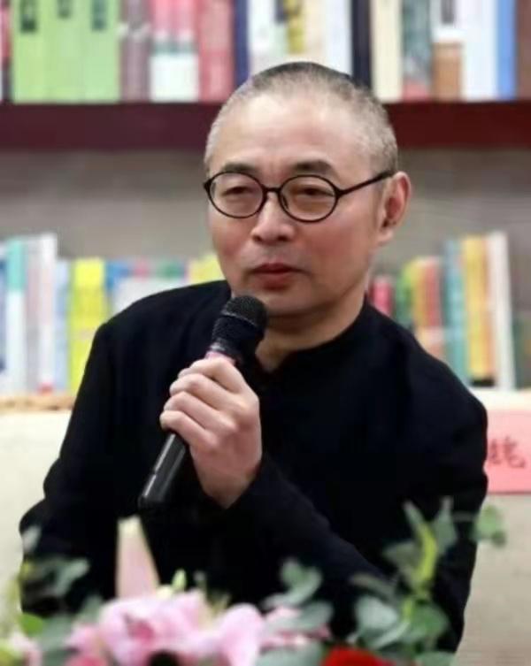"""四川博物院首席专家魏学峰代表:""""让文物活起来"""",拓展文化影响力"""
