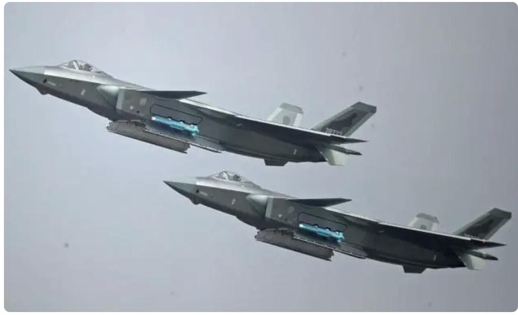 中国空军歼-20隐身战机