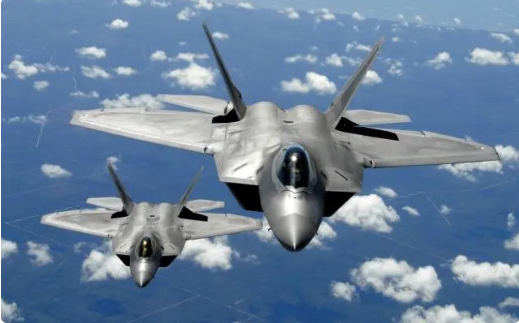 美国空军F-22战机