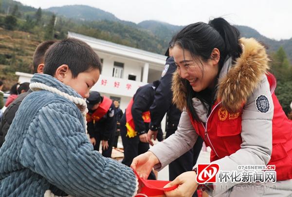 怀化80后全职妈妈王星苹获湖南省最美文明实践志愿服务工作者荣誉称号
