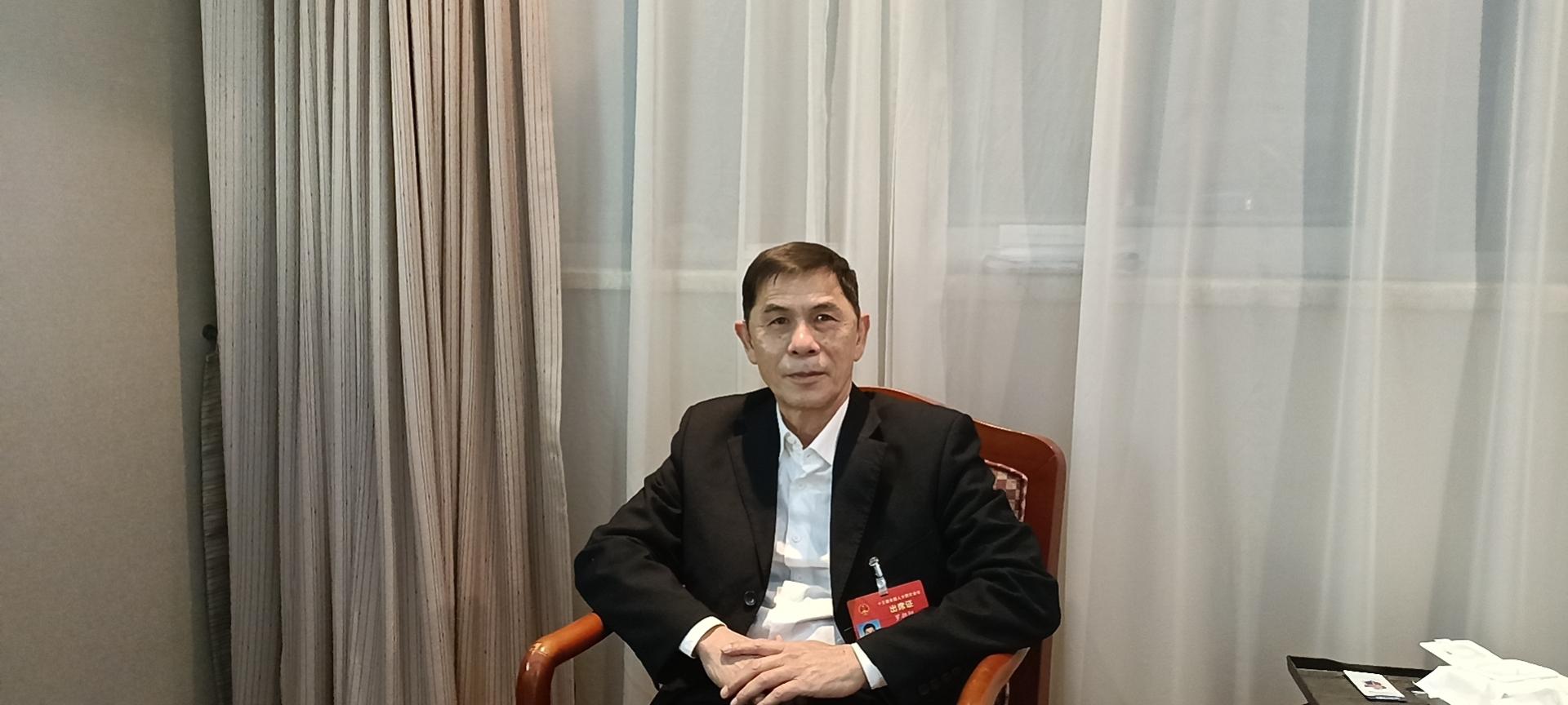 """罗朝阳代表:行政争议实质性化解 专解""""民告官""""难题"""