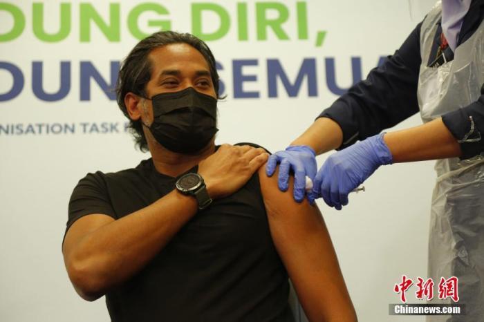 马来西亚呼吁民众警惕新一波疫情 将为60岁以上长者接种科兴疫苗
