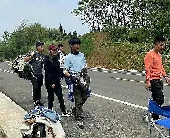 丁真被曝参演喜剧电影 主演之一为杨超越