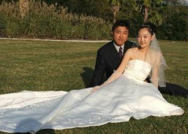 准新娘斥3万巨资拍海边婚纱照,看成片泪奔,美人鱼变案板待宰鱼