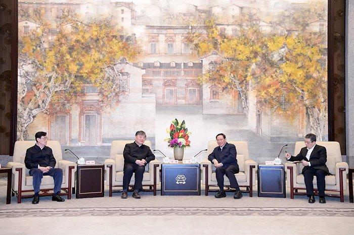 李强与陈竺、何维率领的农工党中央调研组座谈