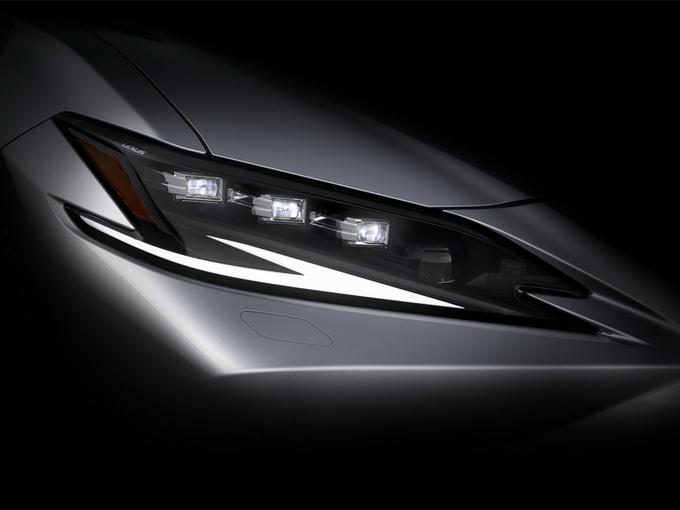 雷克萨斯新款ES曝光,年底开启交付,入门搭2.5L引擎