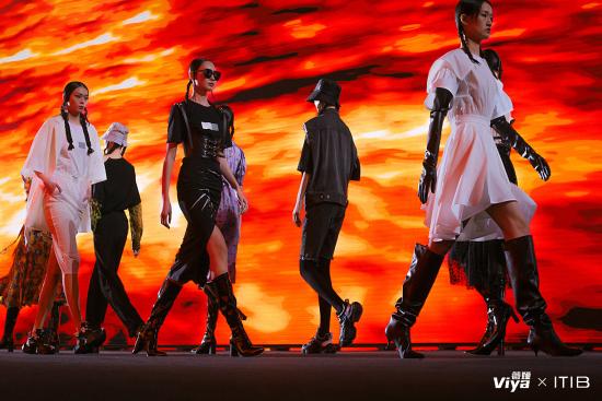 薇娅VIYA × ITIB设计师联名发布时装秀