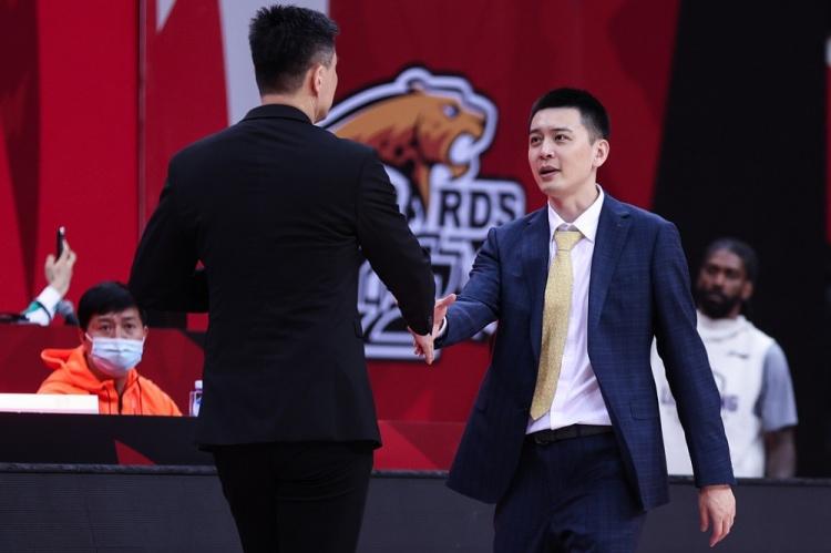 CBA官方公布最佳教练候选名单:杜锋杨鸣领衔