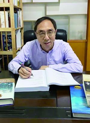 厦门科普作家李虎再次翻译《物种起源》 添加詹姆斯·科斯塔1000多条注释