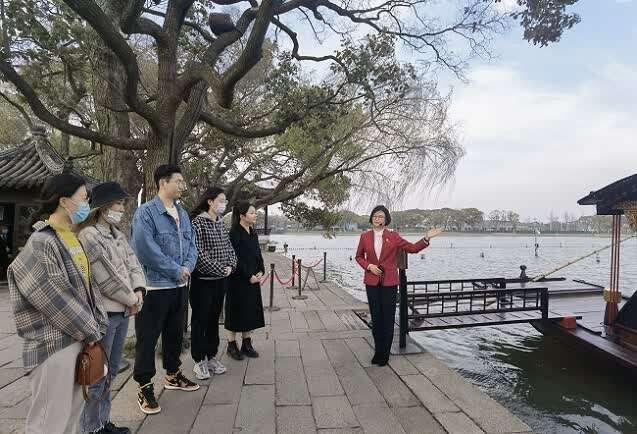 """北京理工大学""""甄材实学""""实践团:将论文写在大地上"""