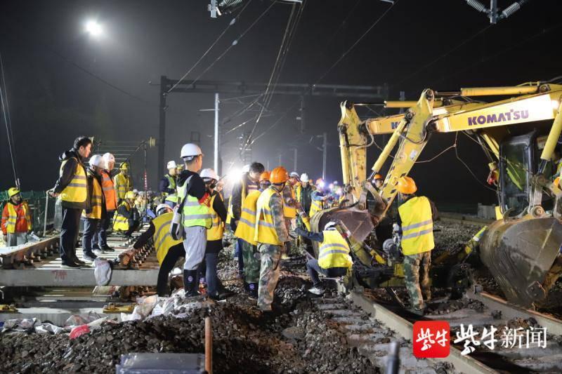 沪昆线嘉兴站上行线顺利完成拨接