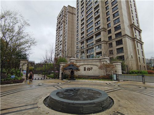 """炒房客快速撤出,成交价趋于理性,杭州""""法拍房""""要凉凉?"""