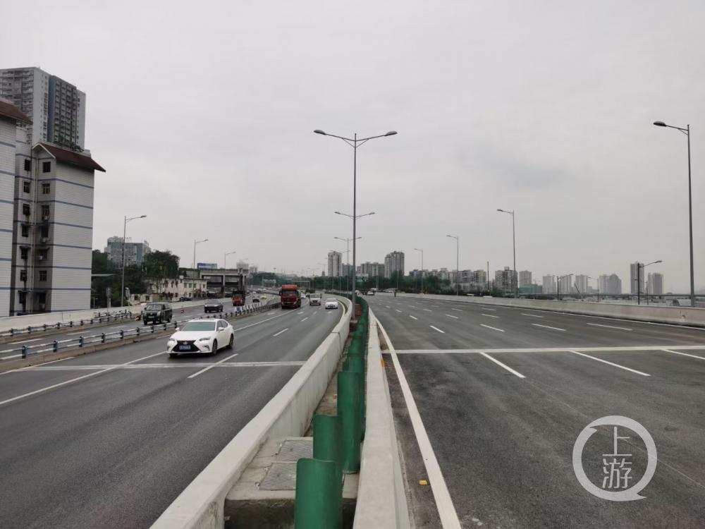 重庆西站综合交通枢纽市政配套道路内环快速路段正式通车