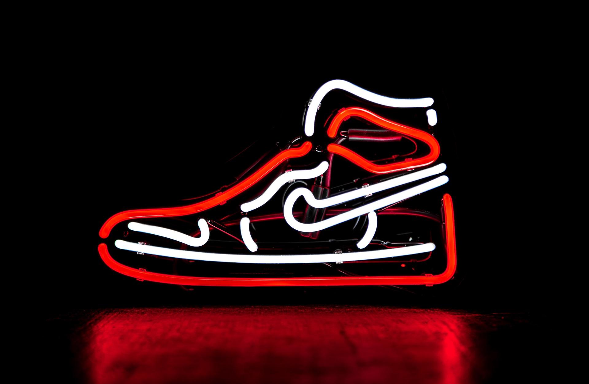 侃爷的椰子鞋即将拍卖,估值100万美元,或成史上最贵运动鞋