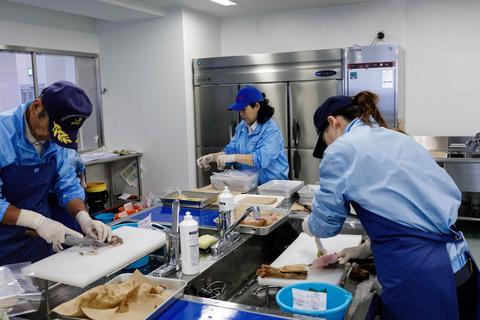 海外网深一度:可饮福岛水,不吃日本鱼?