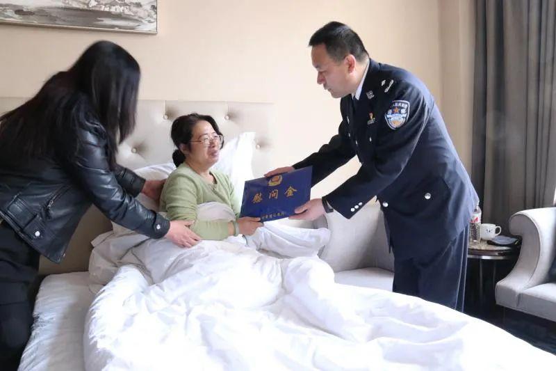 曾4次在工作途中突然休克,54岁公安局政委因公殉职