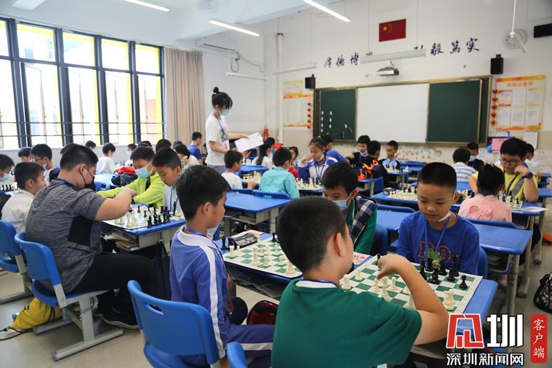 首届龙岗区青少年国际象棋精英赛开棋 将与国家队教练PK