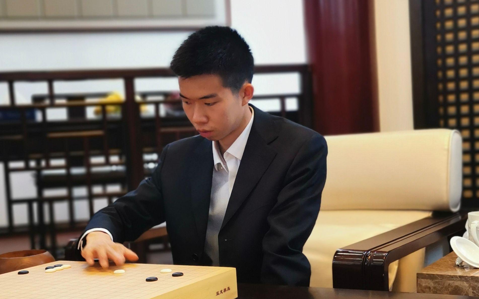 """2比1挑落杨鼎新,辜梓豪成第10位""""天元"""""""