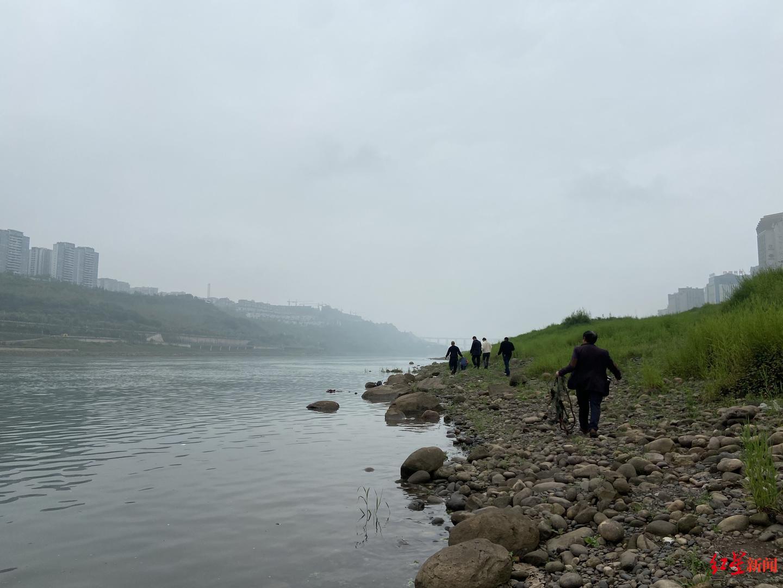四川宜宾捕鱼人变身护鱼人:打了几十年鱼,现在该由我们保护长江了!