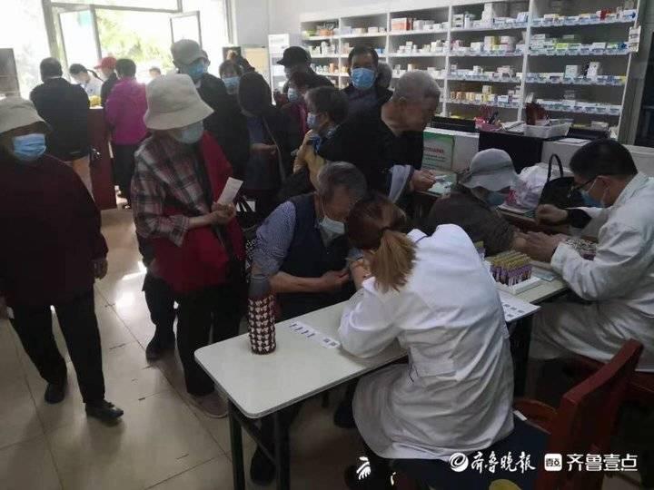 泰安泰前街道擂鼓石社区卫生服务站开展义诊活动