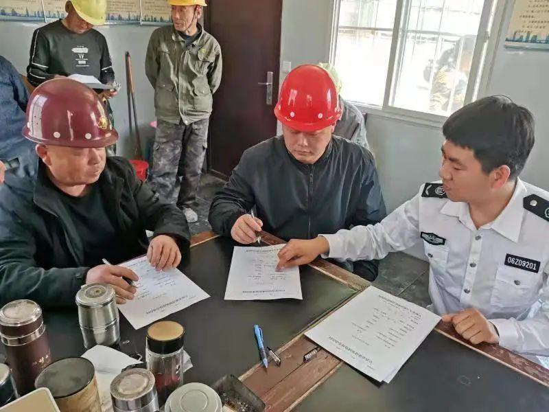 启用建设领域新版劳动合同,阜新市从源头解决农民工欠薪难题