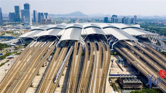 广铁五一假期高峰日计划加开122.5对列车