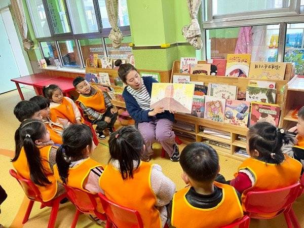 世界读书日 人间四月芳菲尽,正是读书好时节